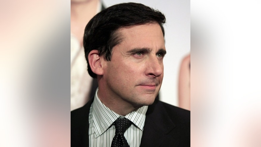 "Cast member Steve Carell poses for photographers as he arrives at the premiere of ""Date Night"" in New York City April 6, 2010. REUTERS/Jessica Rinaldi (UNITED STATES - Tags: ENTERTAINMENT HEADSHOT)"