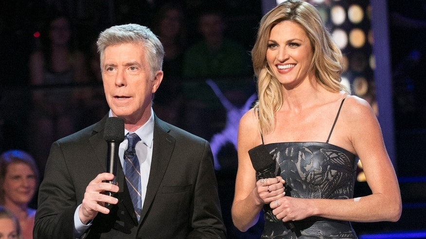 1280_Tom_Bergeron_Erin_Andrews_GettyImages-519175942