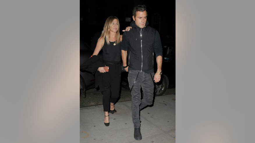 425_jennifer_aniston_Justin_theroux_AG_132345_004