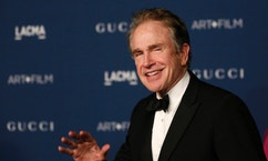 Actor Warren Beatty arrives at the Los Angeles County Museum of Art (LACMA) 2013 Art+Film Gala in Los Angeles, California November 2, 2013.   REUTERS/Mario Anzuoni  (UNITED STATES - Tags: ENTERTAINMENT) - RTX14Y7C