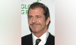 "FILE - In this Dec. 10, 2008 file photo, actor Mel Gibson attends the 9th Annual Global Green Design Awards in New York. A court record filed Friday, May 15 shows a settlement has been reached in a screenwriter's lawsuit against Gibson over the file ""Passion of the Christ."" No details of the settlement were filed with the court. (AP Photo/Peter Kramer, File)"