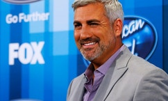 Singer Taylor Hicks arrives at the American Idol Grand Finale in Hollywood, California April 7, 2016.