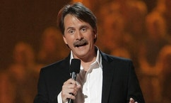 "Comedian Jeff Foxworthy performs on April 10, 2006, in Nashville, Tenn. Foxworthy has a new TV show called ""Foxworthy's Big Night Out,"" and airs on Country Music Television. (AP Photo/John Russell)"