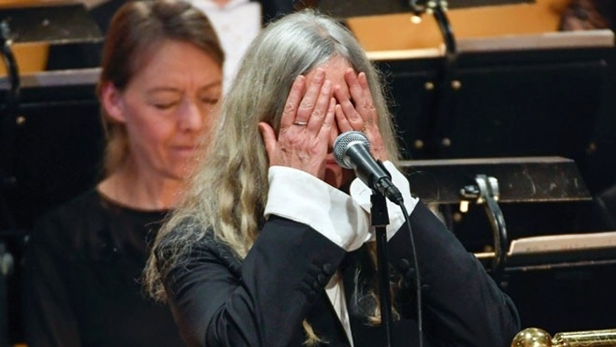 """Patti Smith blanked out while singing """"A Hard Rain's A-Gonna Fall"""" at the Nobel Prize ceremony in Stockholm."""