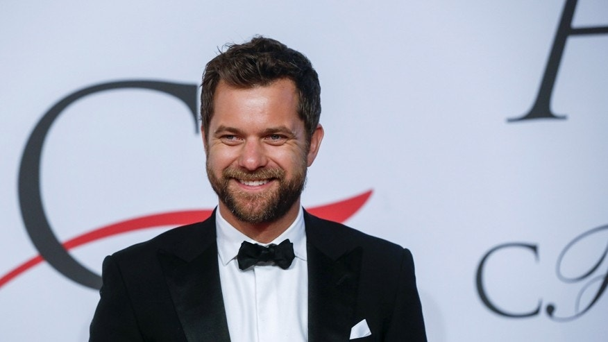 Actor Joshua Jackson arrives for the 2015 CFDA Fashion Awards in New York June 1, 2015.  REUTERS/Lucas Jackson  - RTR4YEW3