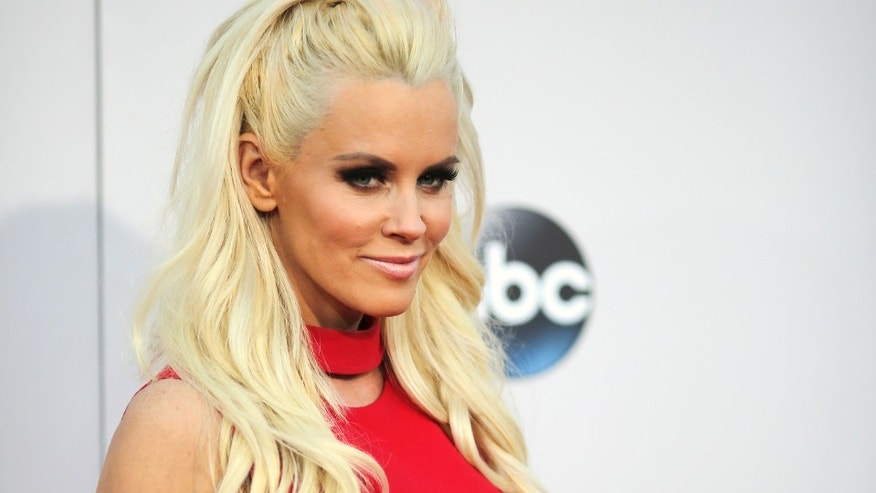 Jenny McCarthy arrives at the 2015 American Music Awards in Los Angeles, California November 22, 2015.