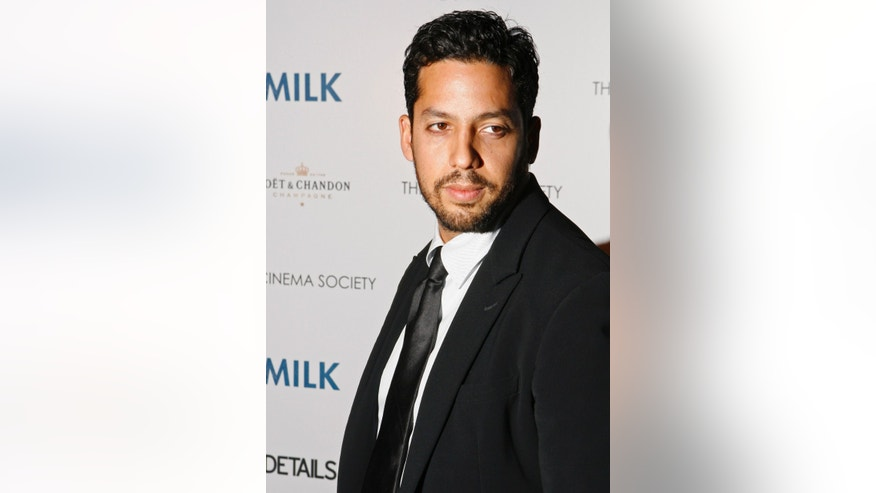 "Magician David Blaine arrives for a Cinema Society screening of the film ""Milk"" in New York November 18, 2008."