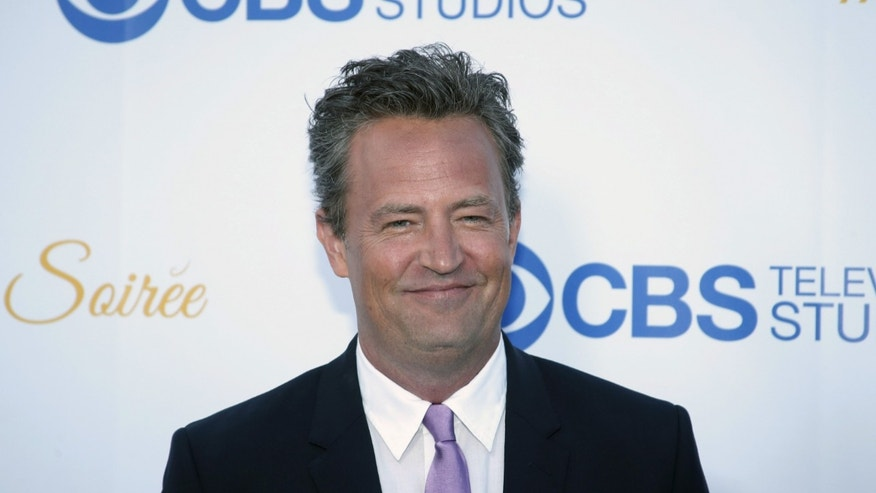 Actor Matthew Perry poses at the CBS Studios rooftop summer soiree in West Hollywood, California May 18, 2015. REUTERS/Danny Moloshok - RTX1DK3W