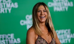 "Cast member Jennifer Aniston poses at the premiere of ""Office Christmas Party"" in Los Angeles, California U.S., December 7, 2016.   REUTERS/Mario Anzuoni - RTSV6H7"