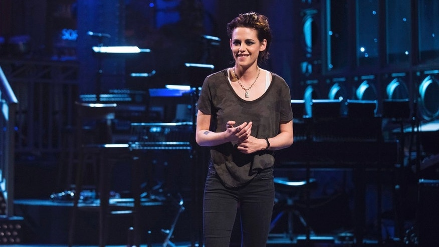 "Kristen Stewart dropped the F-bomb while hosting ""Saturday Night Live"""
