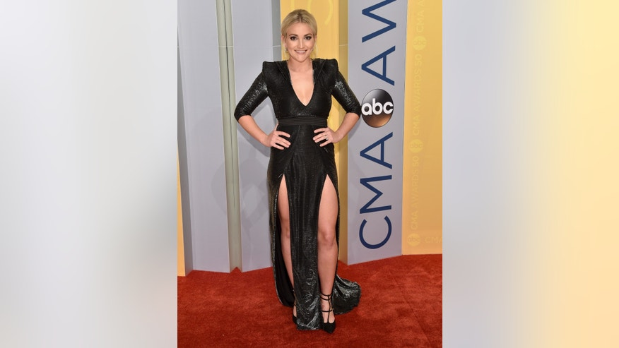 Jamie Lynn Spears arrives at the 50th annual CMA Awards at the Bridgestone Arena on Wednesday, Nov. 2, 2016, in Nashville, Tenn.