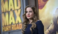 "Singer Lisa Marie Presley poses at the premiere of ""Mad Max: Fury Road"" in Hollywood, California May 7, 2015. The movie opens in the U.S. on May 15.  REUTERS/Mario Anzuoni - RTX1C1XS"