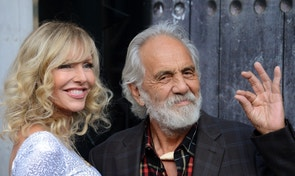 """Comedian Tommy Chong (R) and his wife Shelby Chong attend Spike TV's """"Guys Choice"""" awards in Los Angeles June 7, 2014. REUTERS/Phil McCarten (UNITED STATES - Tags: ENTERTAINMENT PROFILE) - RTR3SPDH"""