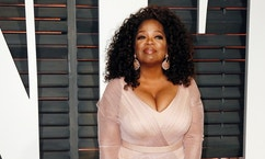 Oprah Winfrey arrives at the 2015 Vanity Fair Oscar Party in Beverly Hills, California February 22, 2015. REUTERS/Danny Moloshok (UNITED STATES - Tags:ENTERTAINMENT) (VANITYFAIR-ARRIVALS) - RTR4QQI3