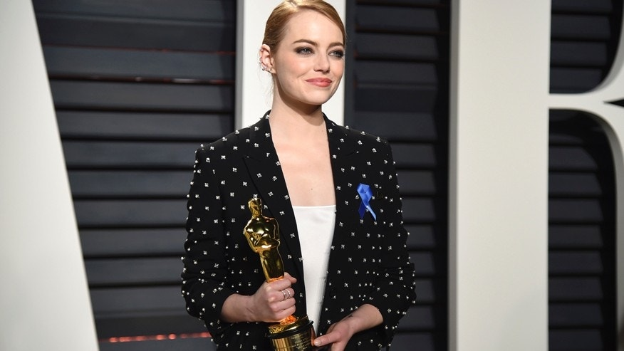See the moment Emma Stone started sobbing backstage at the Oscars