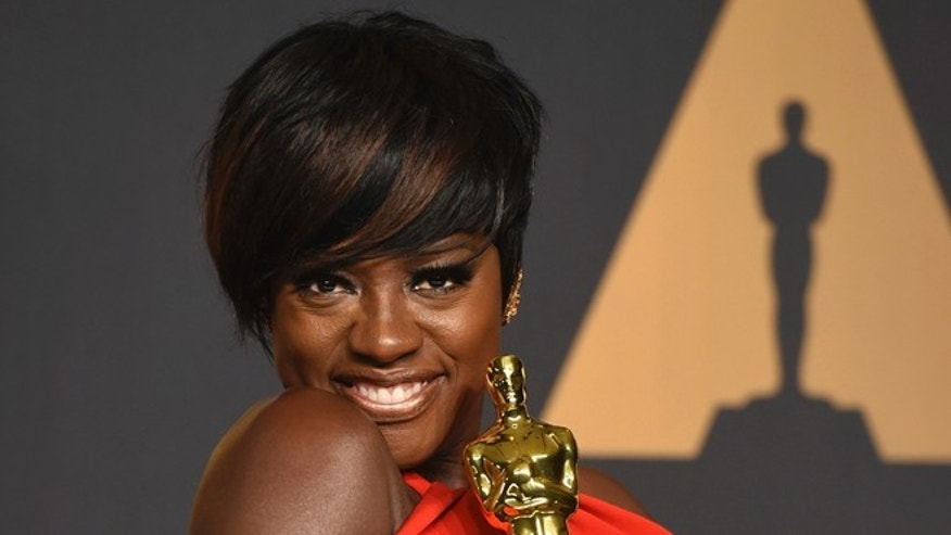 Viola Davis will receive another award from Harvard University.