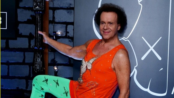 Richard Simmons arrives at the 2013 MTV Video Music Awards in New York August 25, 2013.  REUTERS/Andrew Kelly  (UNITED STATES   Tags: ENTERTAINMENT)(MTV-ARRIVALS)  - RTX12WIG