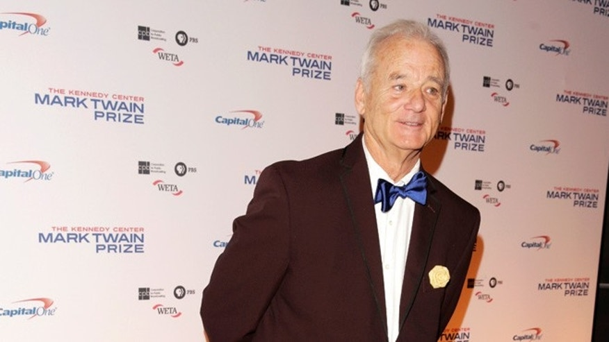 Bill Murray kissed five women at a Manhattan restaurant this week.