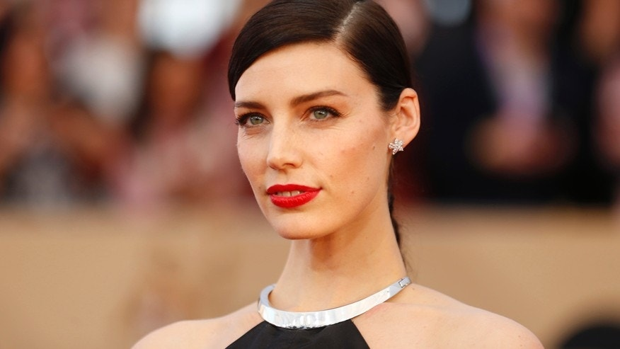 Actress Jessica Pare arrives at the 22nd Screen Actors Guild Awards in Los Angeles, California January 30, 2016.
