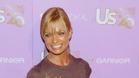 "Actress Jaime Pressley arrives for Us Weekly magazine's ""Young Hollywood Hot 20"" party in Los Angeles, September 16, 2005. The party honored 20 of Hollywood's hot young stars. REUTERS/Chris Pizzello  CP - RTRODMQ"