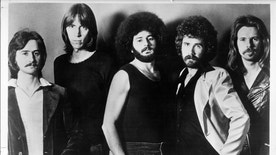"""CIRCA 1976: (L-R) Fran Sheehan, Tom Scholz, Sib Hashian, Brad Delp and Barry Goudreau of the rock group """"Boston"""" pose for a portrait in circa 1976. (Photo by Michael Ochs Archives/Getty Images)"""