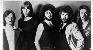 "CIRCA 1976: (L-R) Fran Sheehan, Tom Scholz, Sib Hashian, Brad Delp and Barry Goudreau of the rock group ""Boston"" pose for a portrait in circa 1976. (Photo by Michael Ochs Archives/Getty Images)"