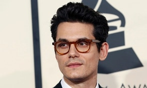 Singer John Mayer arrives at the 57th annual Grammy Awards in Los Angeles, California February 8, 2015.   REUTERS/Mario Anzuoni (UNITED STATES  - Tags: ENTERTAINMENT)  (GRAMMYS-ARRIVALS) - RTR4OQMB
