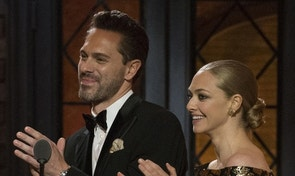 Actors Thomas Sadoski and Amanda Seyfried present an award during the American Theatre Wing's 69th Annual Tony Awards at the Radio City Music Hall in Manhattan, New York June 7, 2015.  REUTERS/Lucas Jackson - RTX1FL1D