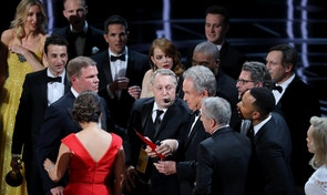 """89th Academy Awards - Oscars Awards Show - Hollywood, California, U.S. - 26/02/17 - Warren Beatty holds the card for the Best Picture Oscar awarded to """"Moonlight,"""" after announcing by mistake that """"La La Land"""" was winner. REUTERS/Lucy Nicholson  TPX IMAGES OF THE DAY - RTS10IF0"""