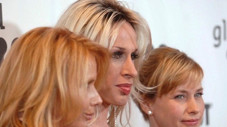 Patricia Arquette (far right) honored her late sister Alexis (middle) at the GLAAD Media Awards.