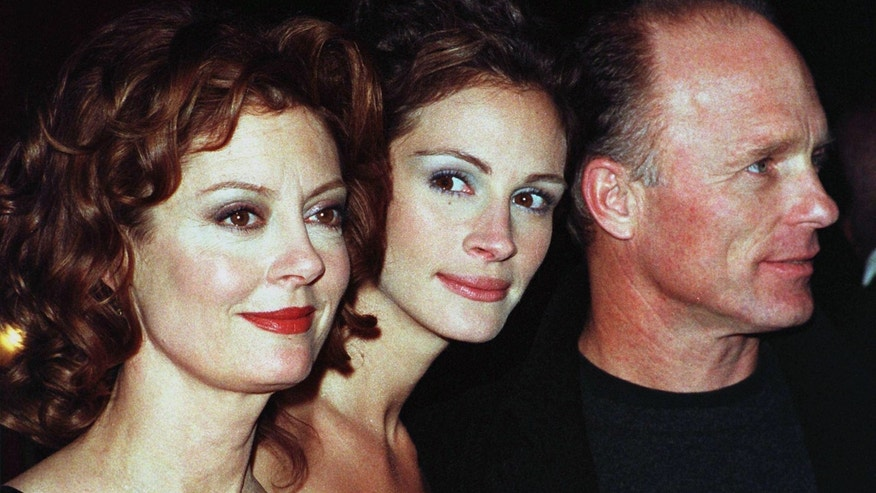 "Susan Sarandon, left, denied rumors that she feuded with Julia Roberts, center, on the set of ""Stepmom."""
