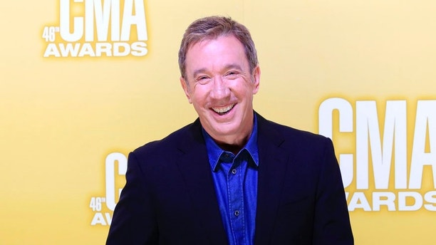 Actor Tim Allen arrives at the 46th Country Music Association Awards in Nashville, Tennessee, November 1, 2012.   REUTERS/Eric Henderson (UNITED STATES  - Tags: ENTERTAINMENT)   - RTR39VWA