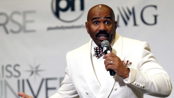Host Steve Harvey speaks to reporters after the 2015 Miss Universe Pageant in Las Vegas, Nevada, December 20, 2015. Harvey said he misread the card when he made the announcement that Miss Colombia was the winner. Miss Philippines Pia Alonzo Wurtzbach was the actual winner. REUTERS/Steve Marcus ATTENTION EDITORS - FOR EDITORIAL USE ONLY. NOT FOR SALE FOR MARKETING OR ADVERTISING CAMPAIGNS - RTX1ZJGM