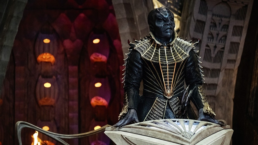 "Chris Obi as T'Kuvma in ""Star Trek: Discovery"""