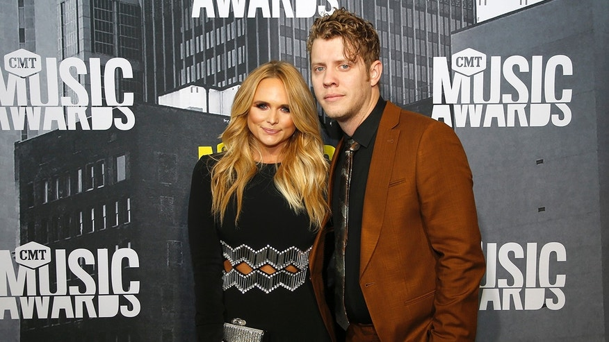 Miranda Lambert: Anderson East 'owns my heart'