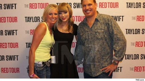 swift tmz groping pic approved legal