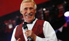 TV presenter and entertainer Bruce Forsyth performs on the Avalon Stage at the Glastonbury music festival at Worthy Farm in Somerset, June 30, 2013. REUTERS/Olivia Harris (BRITAIN - Tags: ENTERTAINMENT) - RTX1172L