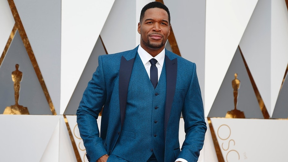 Television presenter Michael Strahan arrives at the 88th Academy Awards in Hollywood, California February 28, 2016.  REUTERS/Lucy Nicholson - TB3EC2S1SKRJG