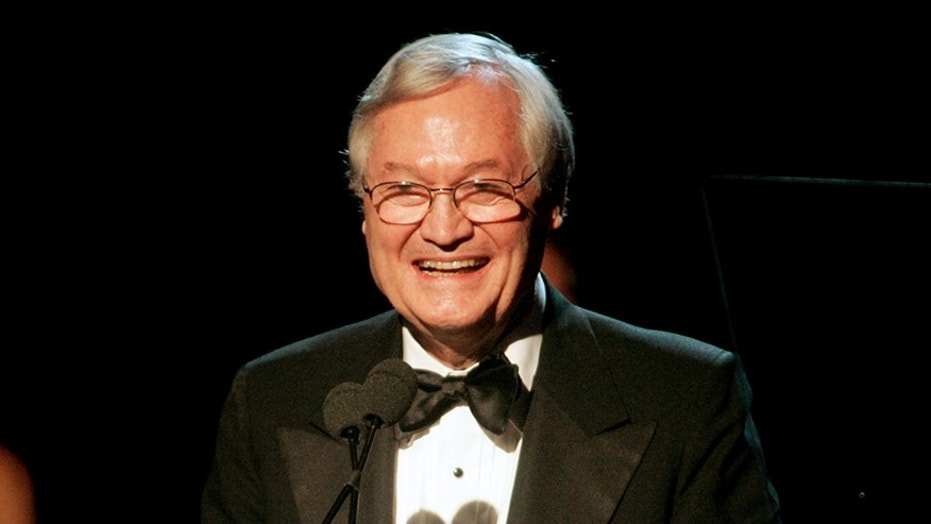Producer and director Roger Corman gives his acceptance speech after receiving the David O. Selznick Achievement Award in Theatrical Motion Pictures at the 2006 Producers Guild Awards in Los Angeles, California January 22, 2006. Corman has produced and directed over 300 films in his career. REUTERS/Fred Prouser - RP3DSFDCPKAD