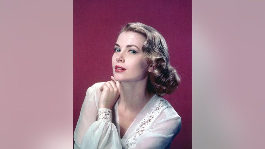 American actress Grace Kelly (1929-1982).