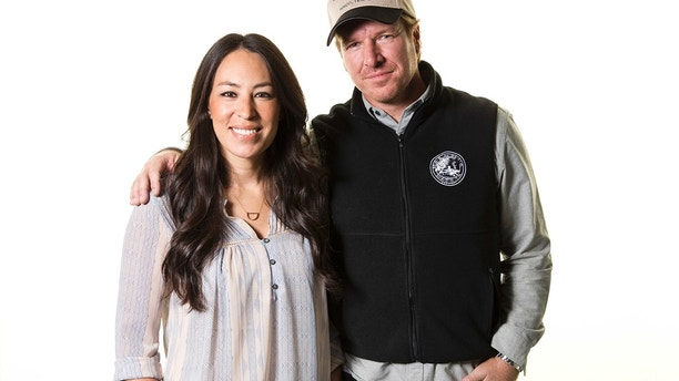 "In this March 29, 2016, file photo, Joanna Gaines, left, and Chip Gaines pose for a portrait in New York to promote their home improvement show, ""Fixer Upper,"" on HGTV. The couple announced on Sept. 26, 2017, that the show's upcoming fifth season would be its last."