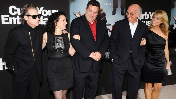 "Cast members Richard Lewis, Susie Essman, Jeff Garlin, Larry David and Cheryl Hines (L-R) attend the premiere of the seventh season of the HBO series ""Curb Your Enthusiasm"" in Los Angeles September 15, 2009."