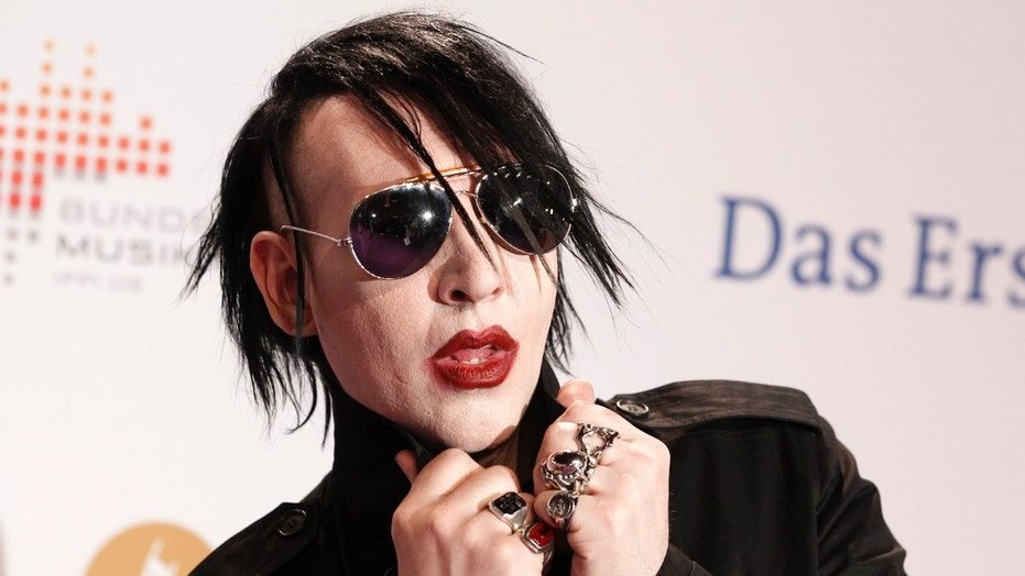 reports marilyn manson injured during new york concert fox news. Black Bedroom Furniture Sets. Home Design Ideas