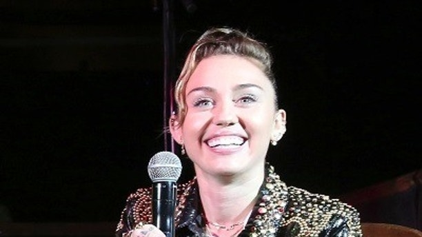 Miley Cyrus, Female NBC Writers Cruelly Remind Clinton of Her Devastating Loss