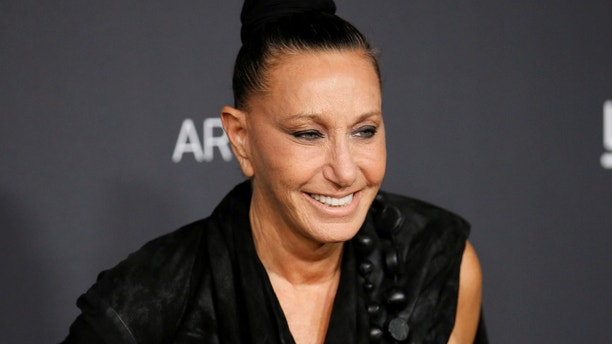 Fashion designer Donna Karan poses at the Los Angeles County Museum of Art (LACMA) Art+Film Gala in Los Angeles, October 29, 2016. REUTERS/Danny Moloshok - S1BEUJWQQEAA