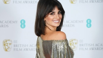 Penelope Cruz poses at the British Academy of Film and Television Awards (BAFTA) at the Royal Albert Hall in London, Britain, February 12, 2017.  REUTERS/Toby Melville - RC152CD3BAF0