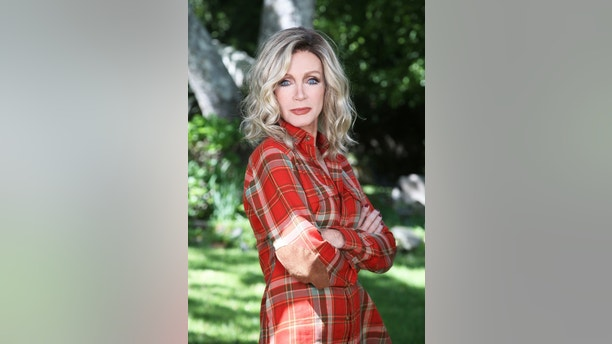Exclusif - Donna Mills - Photo Shoot - At Home - Los Angeles, on 25 Mars 2015 -