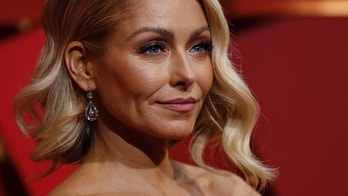 89th Academy Awards - Oscars Red Carpet Arrivals - Hollywood, California, U.S. - 26/02/17 - Actress Kelly Ripa. REUTERS/Mario Anzuoni - HP1ED2Q1U8YLD