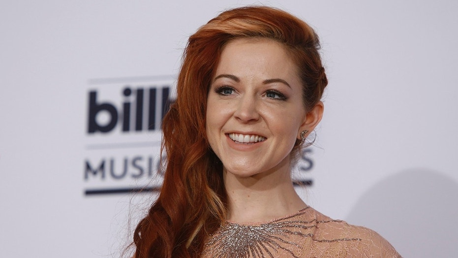 dancing with the stars contestant lindsey stirling injured might