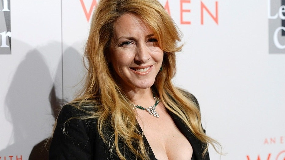 "Joely Fisher is telling all in her new memoir ""Growing Up Fisher."""